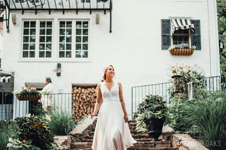 twisted-oaks-studio-maggie-jordan-farm-wedding-0005