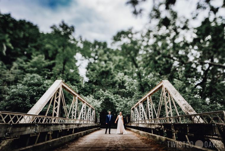 twisted-oaks-studio-maggie-jordan-farm-wedding-0021