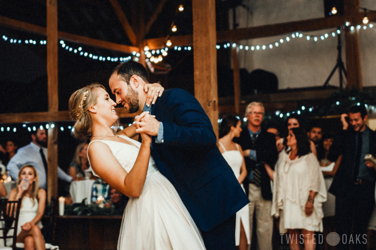 twisted-oaks-studio-maggie-jordan-farm-wedding-0029