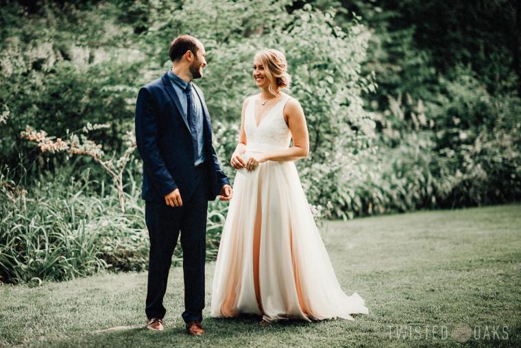 twisted-oaks-studio-maggie-jordan-farm-wedding-0032
