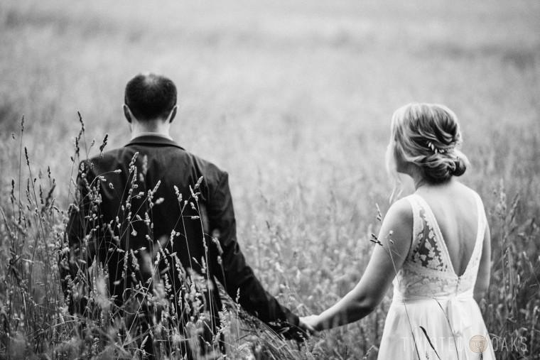 twisted-oaks-studio-maggie-jordan-farm-wedding-0048
