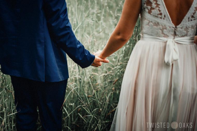 twisted-oaks-studio-maggie-jordan-farm-wedding-0051