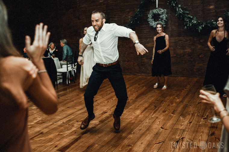 twisted-oaks-studio-maggie-jordan-farm-wedding-0082