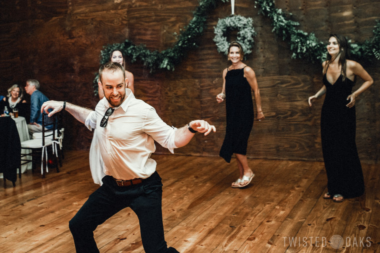 twisted-oaks-studio-maggie-jordan-farm-wedding-0083