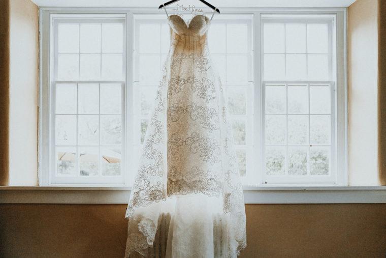 Oscar de le Renta wedding gown